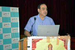 Talk on 'myths related to heart diseases' held at Max Hospital