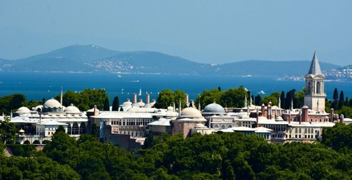topkapi-palace-istanbul-turkey-720x368