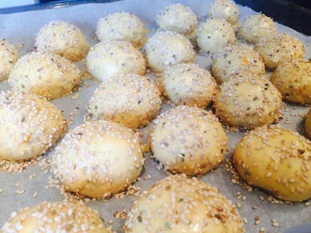 Grillbrötchen Rezept mit Sesam