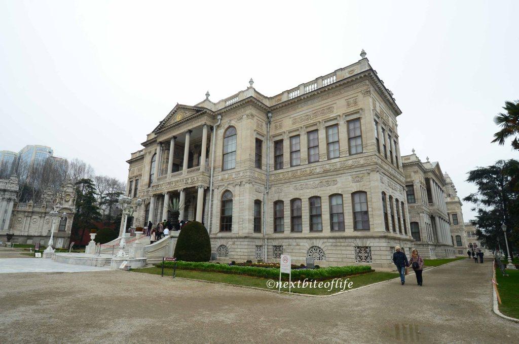 palace entrance dolbramarche