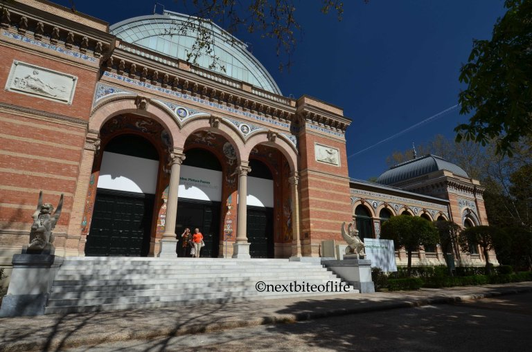 museum entrance at el retiro madrid