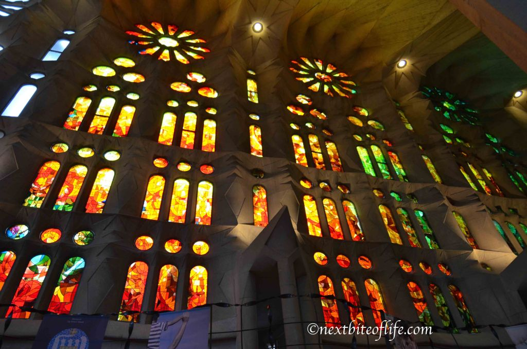 barcelona sagrada glasswork