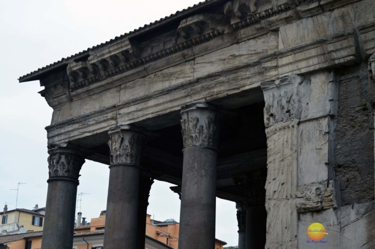 pantheon in rome side view