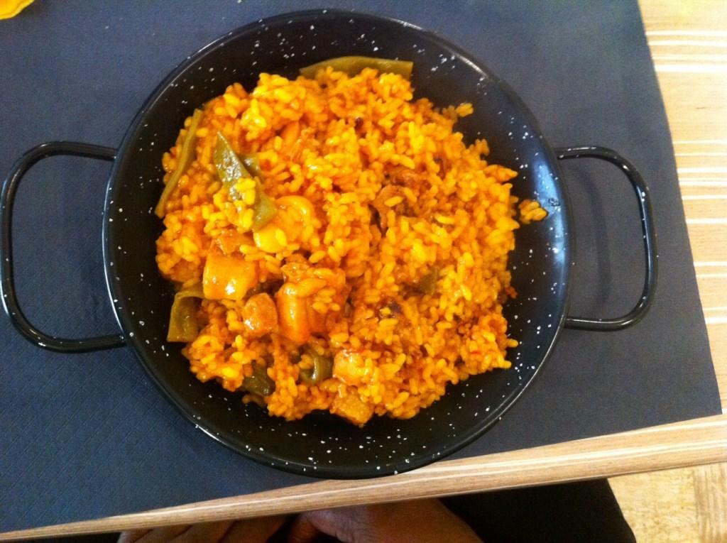 Regular plate, big portion of paella