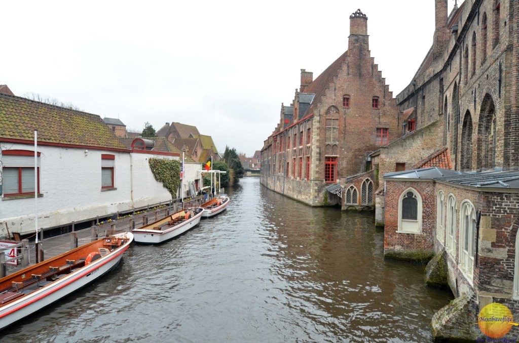 bruges canal by the water
