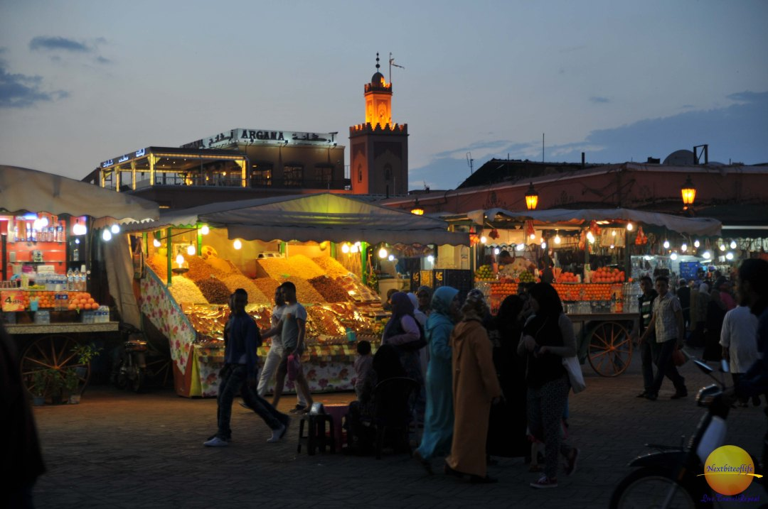 marrakech market morroco nighttime stalls