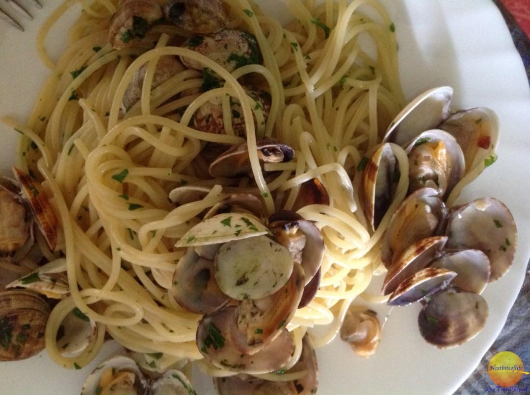 clams and spaghetti