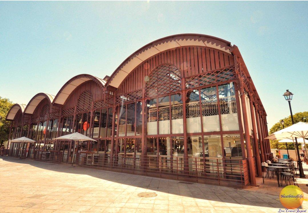 Mercado Lonja del Barrranco building