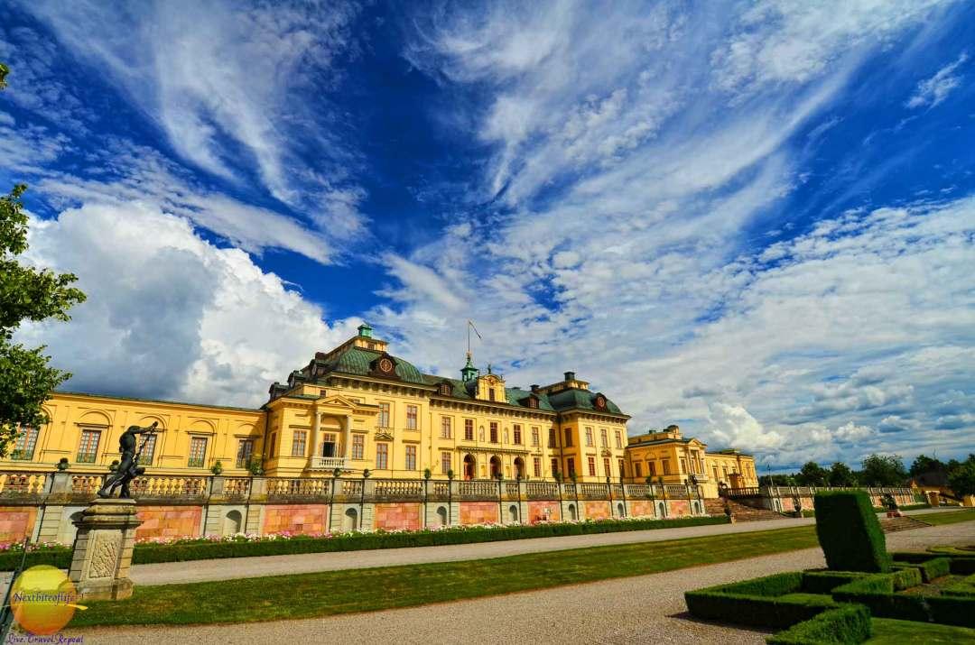 drottingholm palace side view
