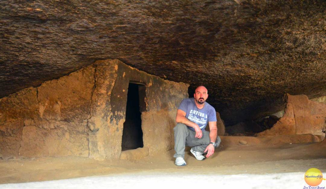olumo rock dwelling entrance