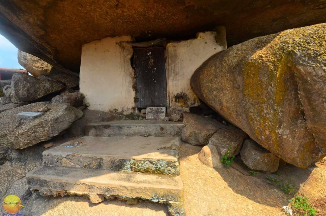 olumo rock door entrance