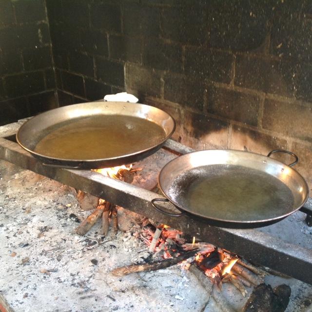 authentic paella pan heating up spanish paella recipe