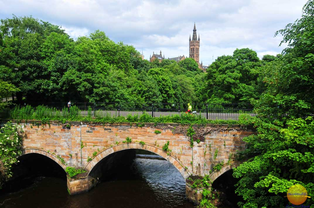 Glasgow Guide Scotland - rough guide eat sleep and stay