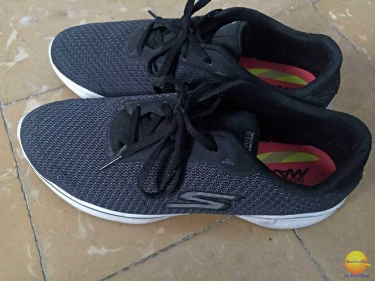 skechers for flat feet black gomax