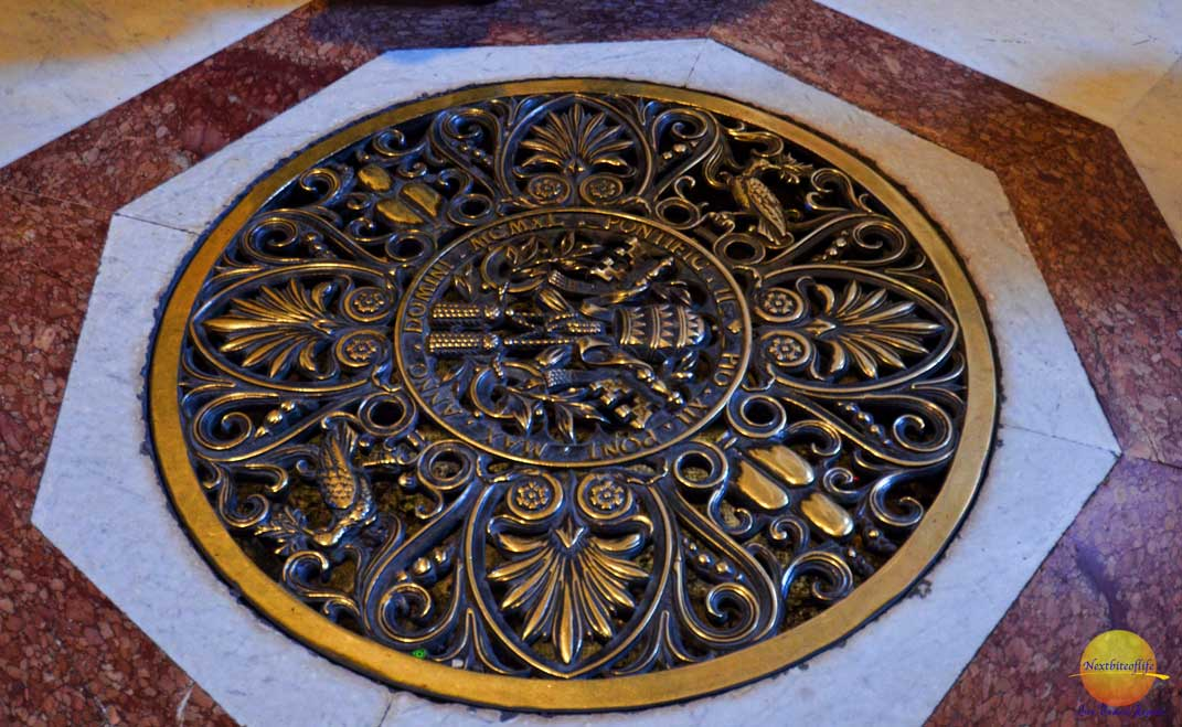 st peters basilica grate