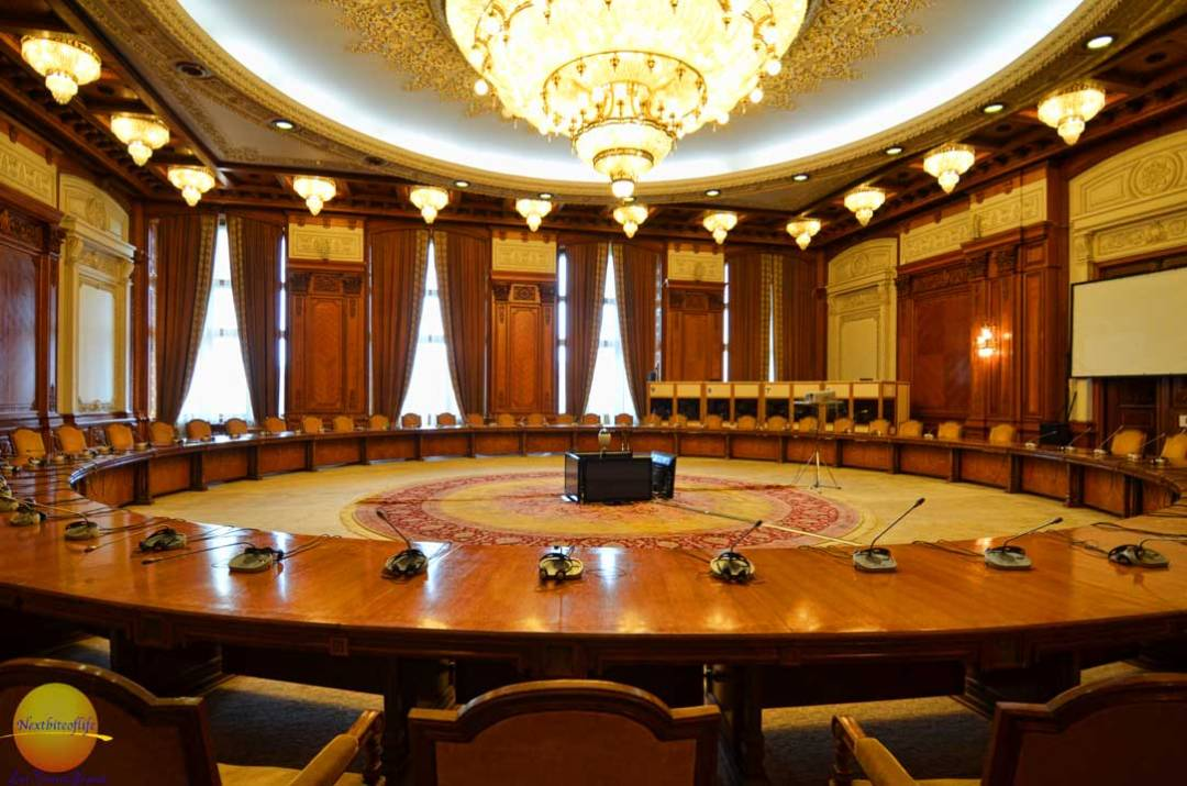 peoples palace bucharest cabinet room