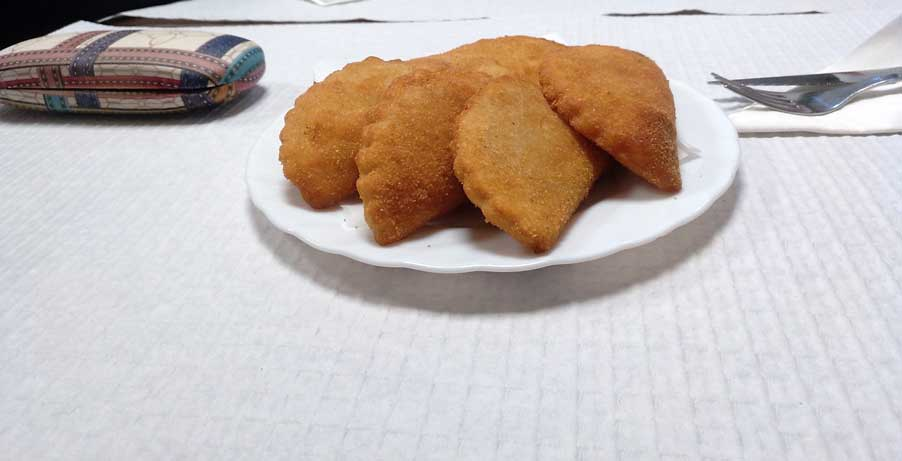 empanada porto portugal plate