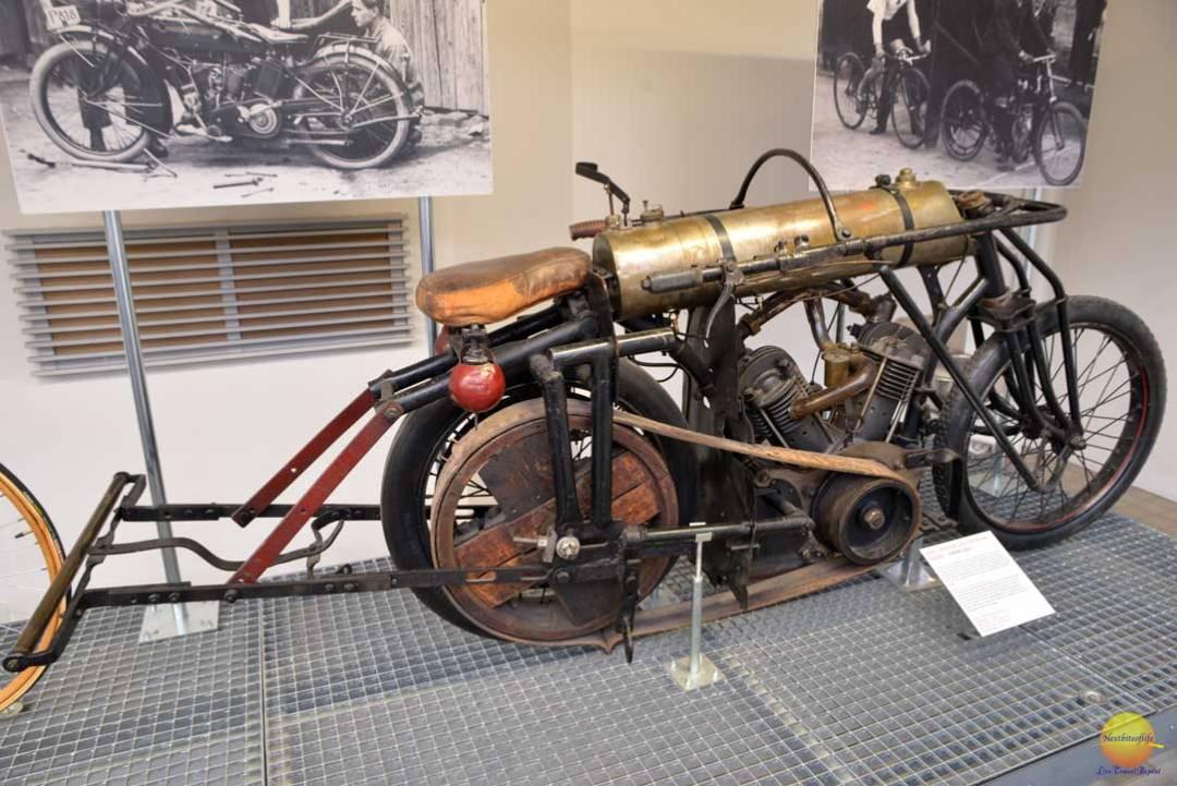 nadroni museum bike display