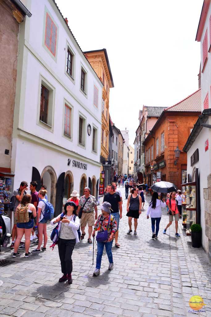 cesky krumlov street with people