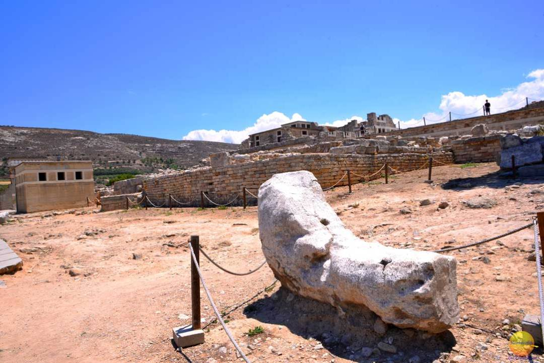 big foot ruins at knossos