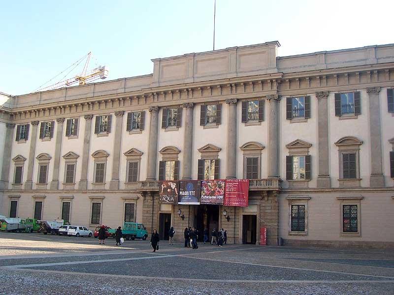 Milan Royal Palace entrance