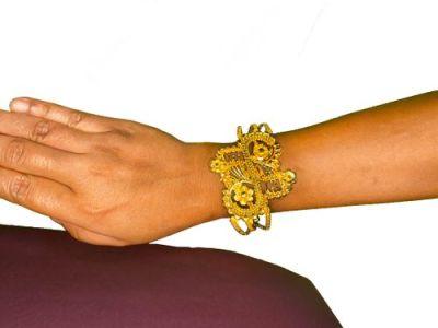 NextBuye Gold Plated Butterfly Designed Mantasa Bracelet 2