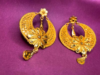 Must Have Jewelry for Bengali Brides 5