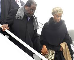Mugabe flies to Singapore for medical care