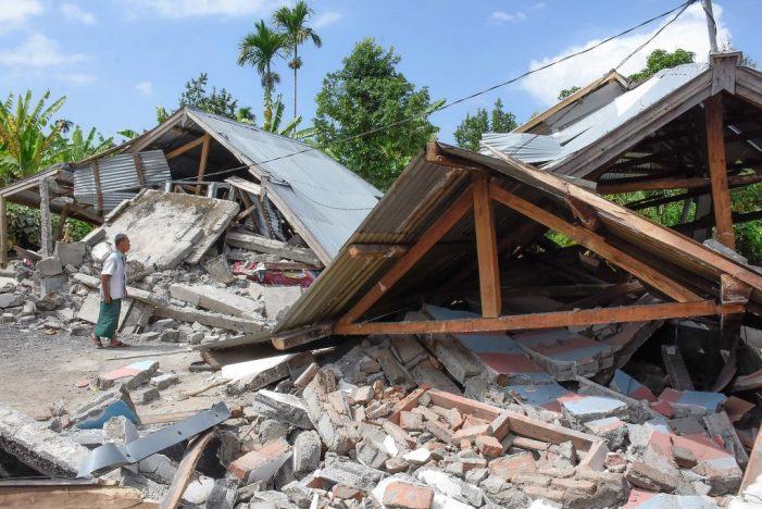 Foreign Titbits:  Lombok: 91 die as quake again hits Indonesian island
