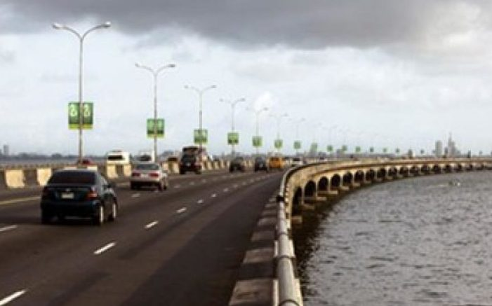 Just In:Man alights from commercial vehicle, jumps into Lagos Lagoon