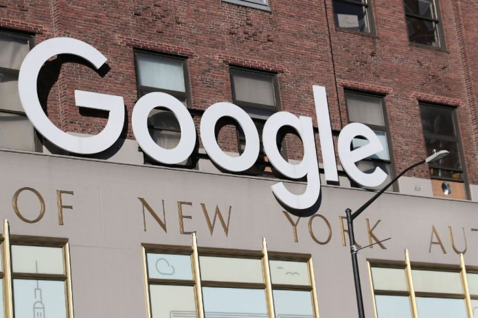 """Google Acquires R& D Team from Fossil for its """"Mystery"""" Smartwatch"""