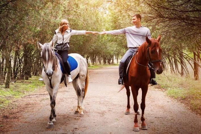 Horseback-Riding-Best-Hobbies-For-Couples