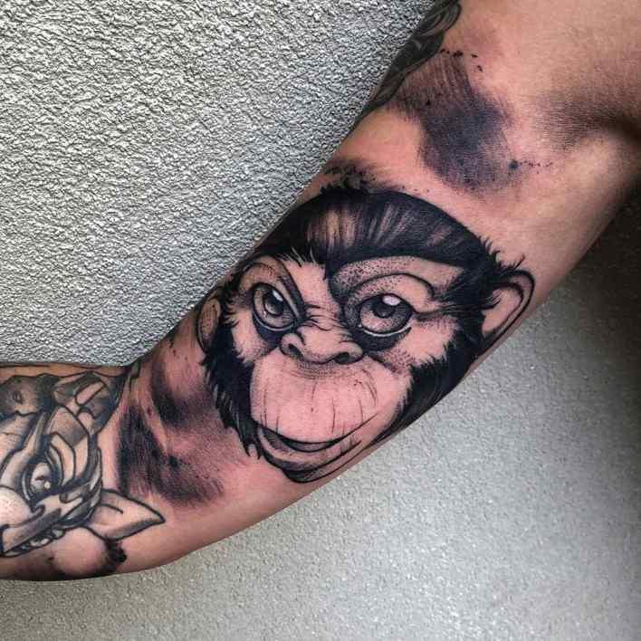 Black Monkey Tattoo -schuster_tattoo