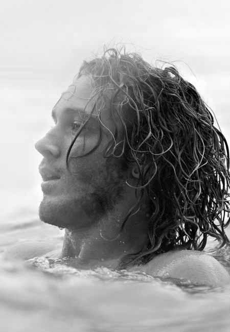 Surfer Hair For Men 50 Beach Inspired Mens Hairstyles