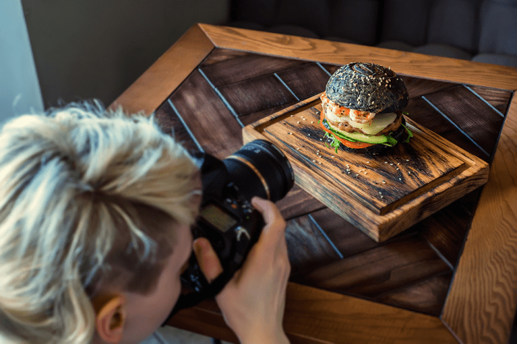 Improve restaurant food photos by hiring a professional photographer