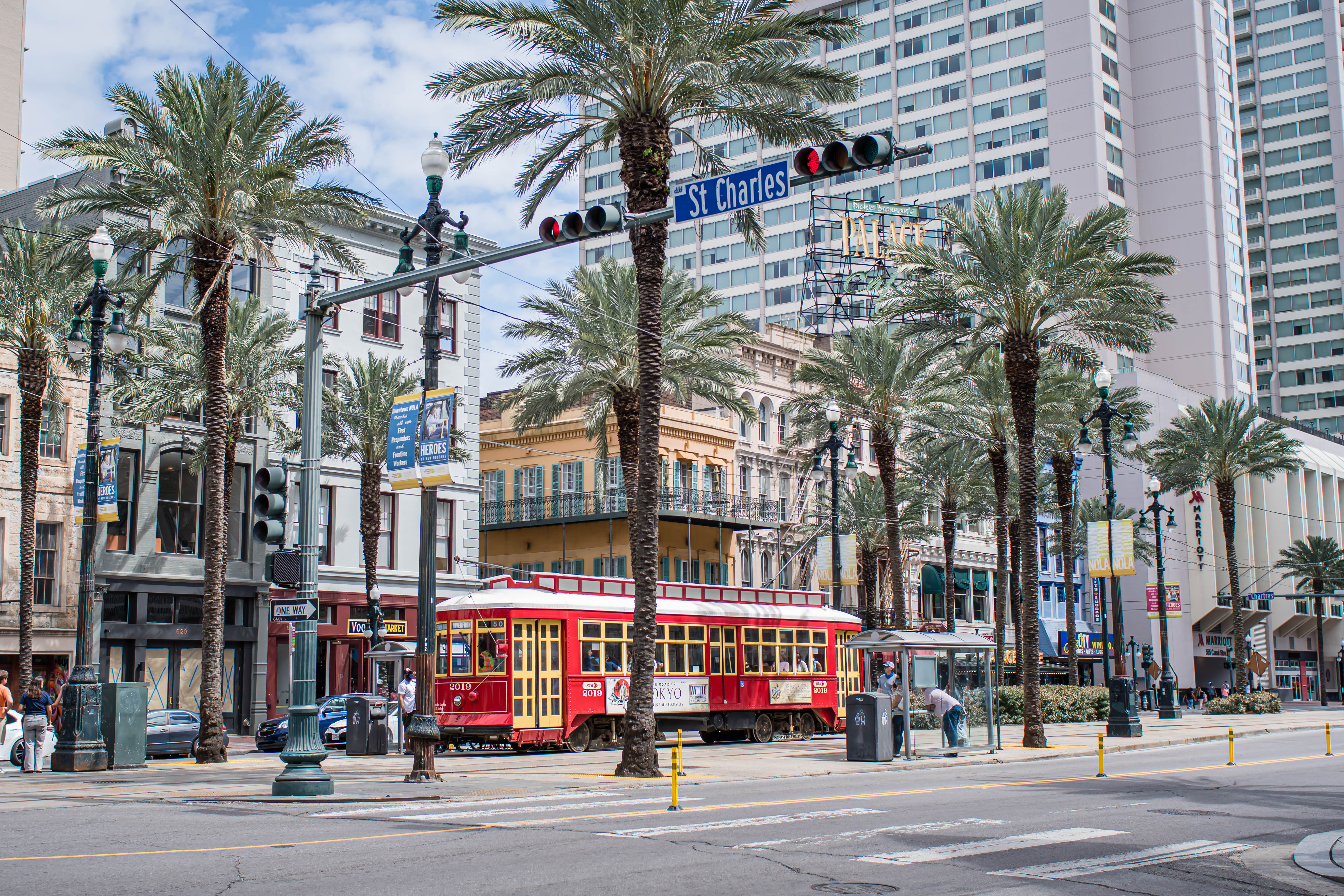 taking the trolley on your trip to new orleans