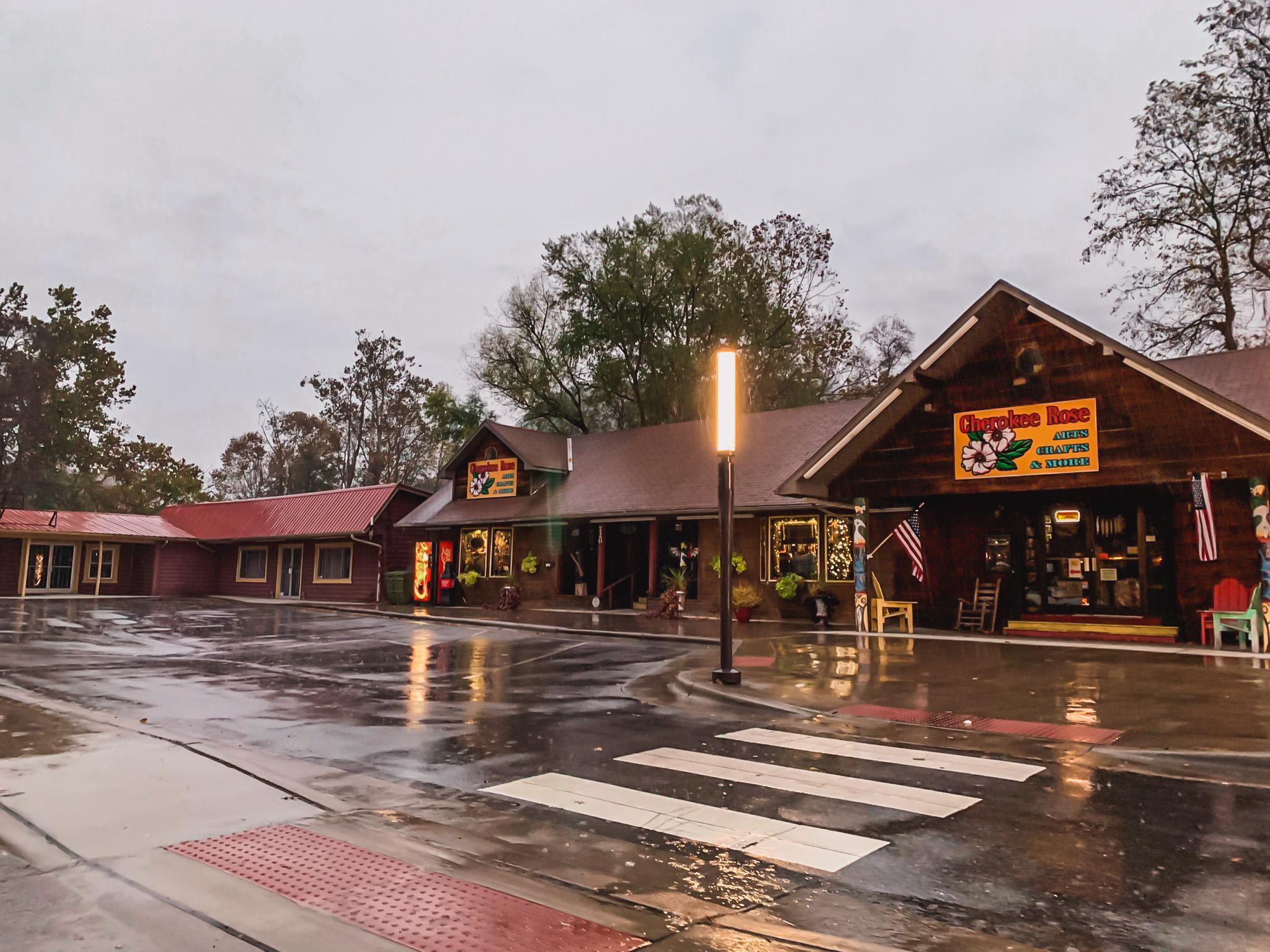 cherokee village shops