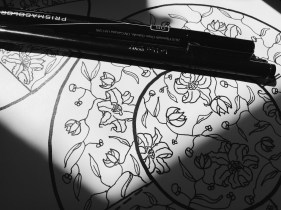 Tulip print illustration for craft activity
