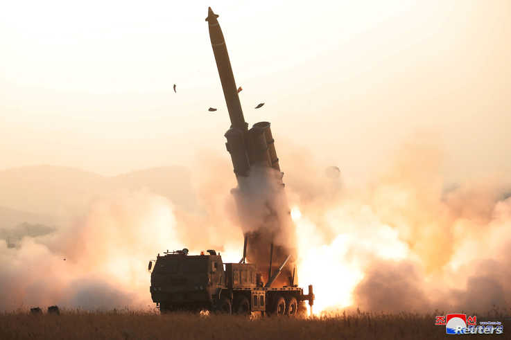 The apparent launching of projectiles that, according to military officials in Japan and South Korea, landed in the sea between…