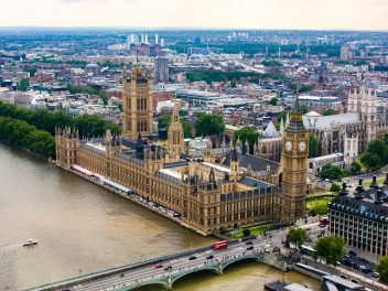 Image of the House of Parliament and the River Thames.