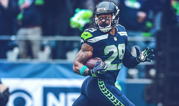 Earl Thomas, ex-safety do Seattle Seahawks, acertou contrato com o Baltimore Ravens.