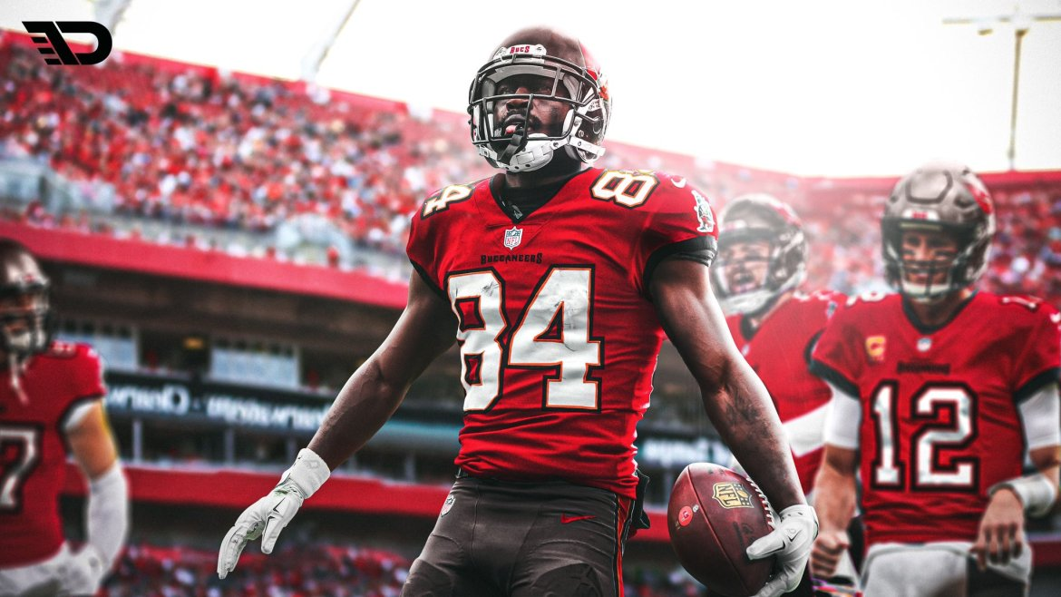BREAKING: Antonio Brown a Tampa Bay Buccaneers-nél folytatja