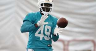 USATSI_10072601_168383805_lowres Dolphins Place LB Lamin Barrow On Injured Reserve After Clearing Waivers