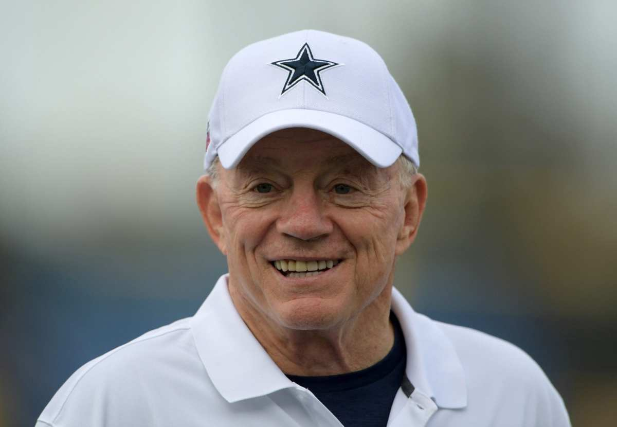 NFL Notes: Jerry Jones, Broncos, Panthers, Patriots