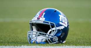 Giants-Helmet-5 Giants Waive DB Michael Hunter From IR With Settlement