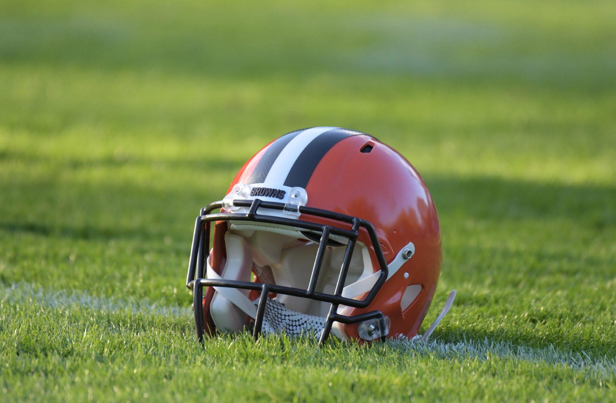 Browns-helmet-4
