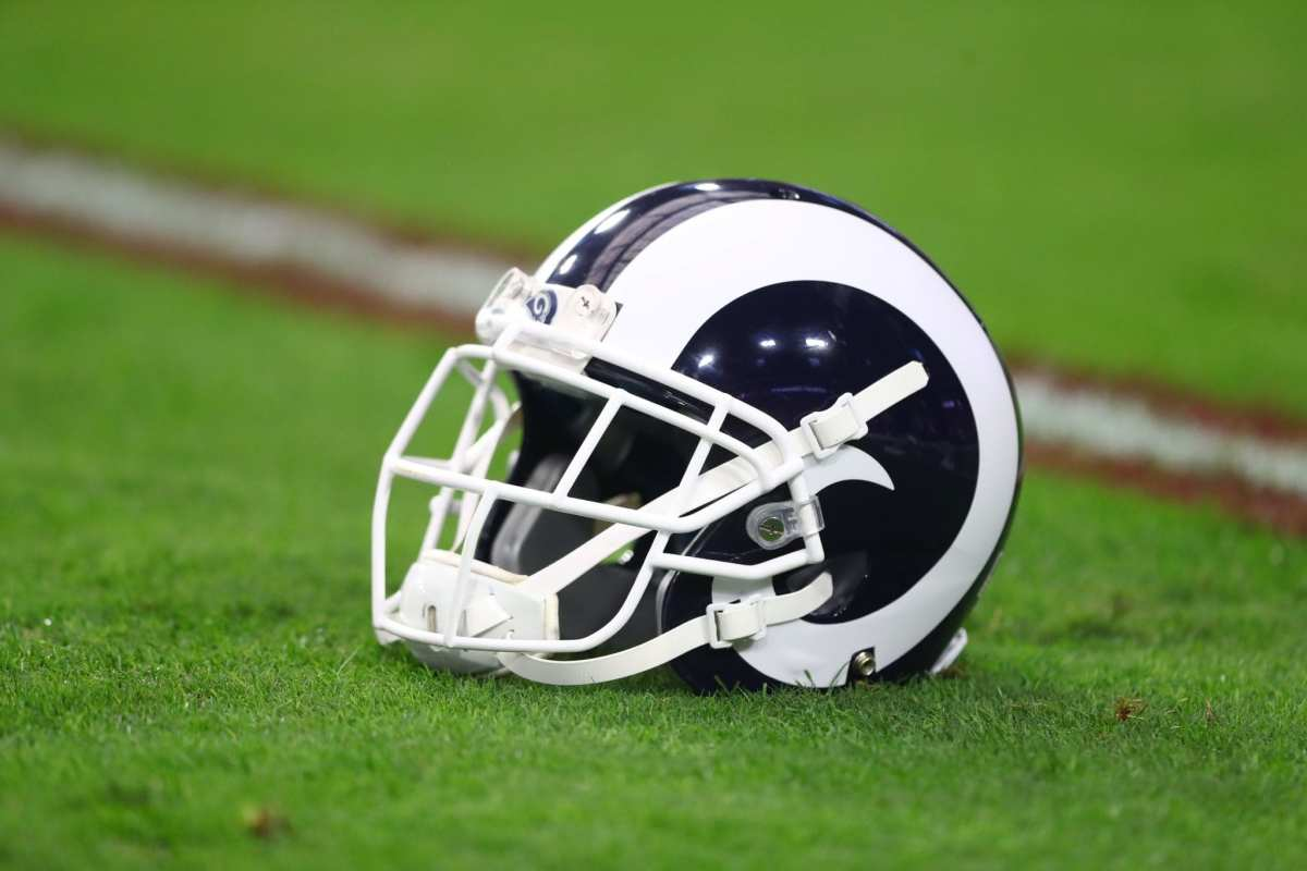 Rams Re-Sign OT Michael Dunn