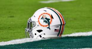 USATSI_10494369_168383805_lowres-e1513973064343 Dolphins Sign 8 Players To Futures Deals