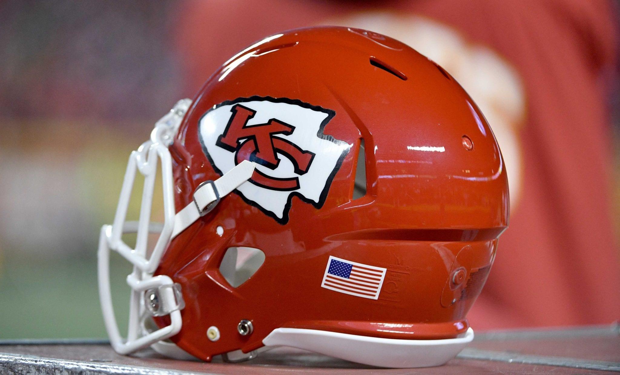Chiefs-helmet-6
