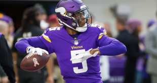 Teddy-Bridgewater-5 Teddy Bridgewater Isn't Guaranteed Roster Spot With Jets, Hackenberg & Petty Trade/Release Candidates